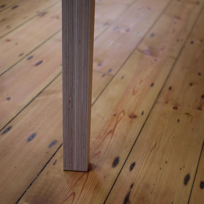 Birch plywood edgegrain table leg